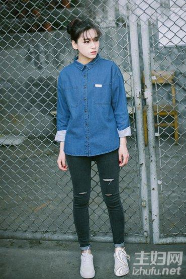 资讯【街拍搭配】秋季长袖衬衫如何搭配
